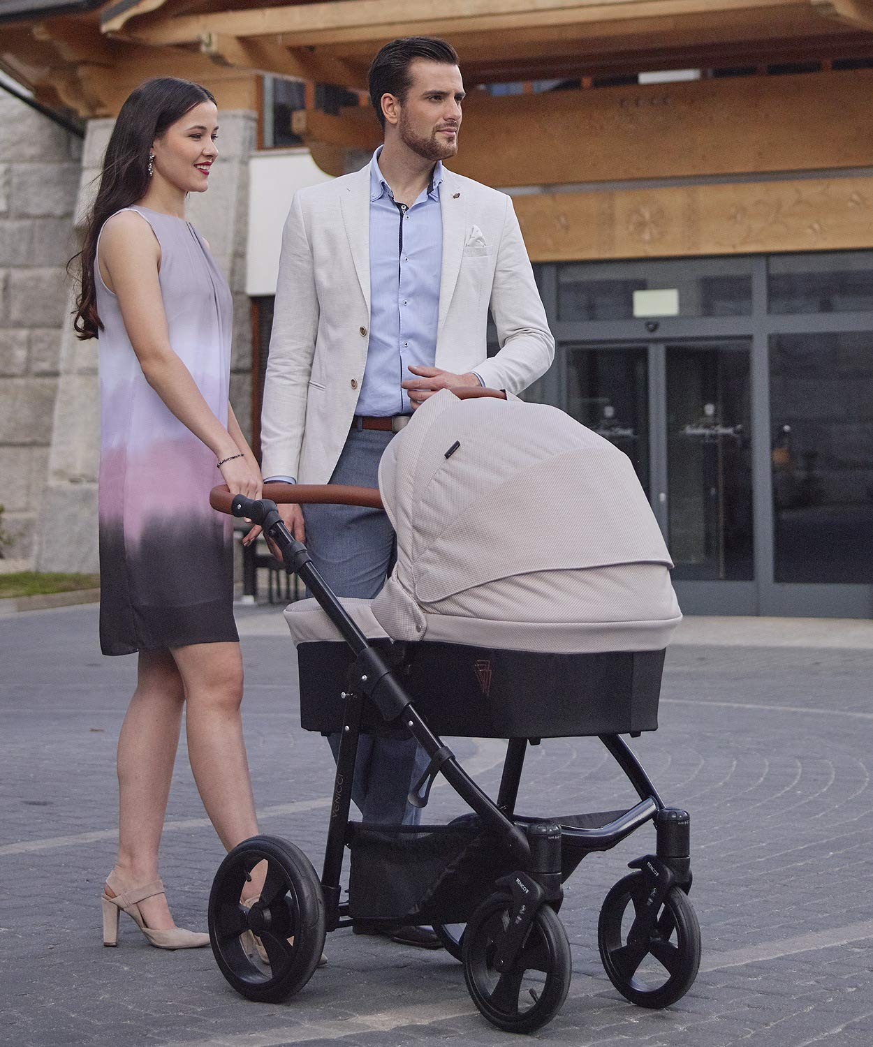 Venicci Gusto 2-in-1 Travel System - Cream - with Carrycot + Changing Bag + Footmuff + Raincover + Mosquito Net + 5-Point Harness and UV 50+ Fabric + Cup Holder  2-in-1 Pram and Pushchair with custom travel options Suitable for your baby from birth until approximately 36 months 5-point harness to enhance the safety of your child 4