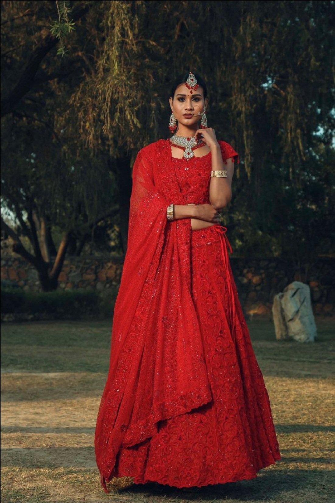 9cadfefc20 Pushp Paridhan Wedding Wear Machine with hand work Ethnic Wear Hot Red  Bridal Lahenga For Women/Girls