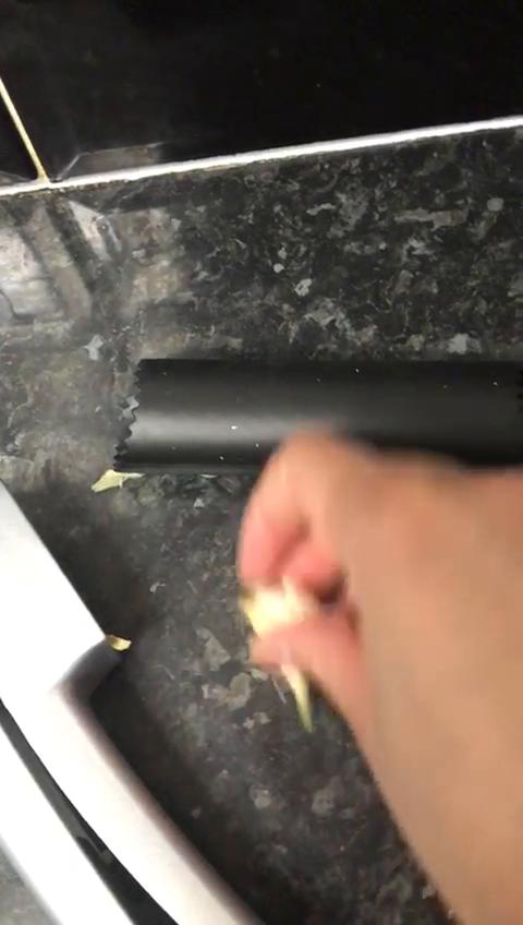 Prensa de ajo, 2 en 1 cortador de ajo y ajo con cepillo limpiador ...