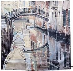 """Damen Halstuch aus 100% reiner Seide mit dem Aquarell""""Venedig - Blick von der Brücke dei Sartori"""" des Künstlers Nicola Tenderini bedruckt. Hergestellt in limitierter Auflage in Italien. Made in Italy"""