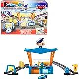 Cars Autolavado Dinoco, incluye dos coches de juguete, vehículo cambia de color (Mattel GTK91)