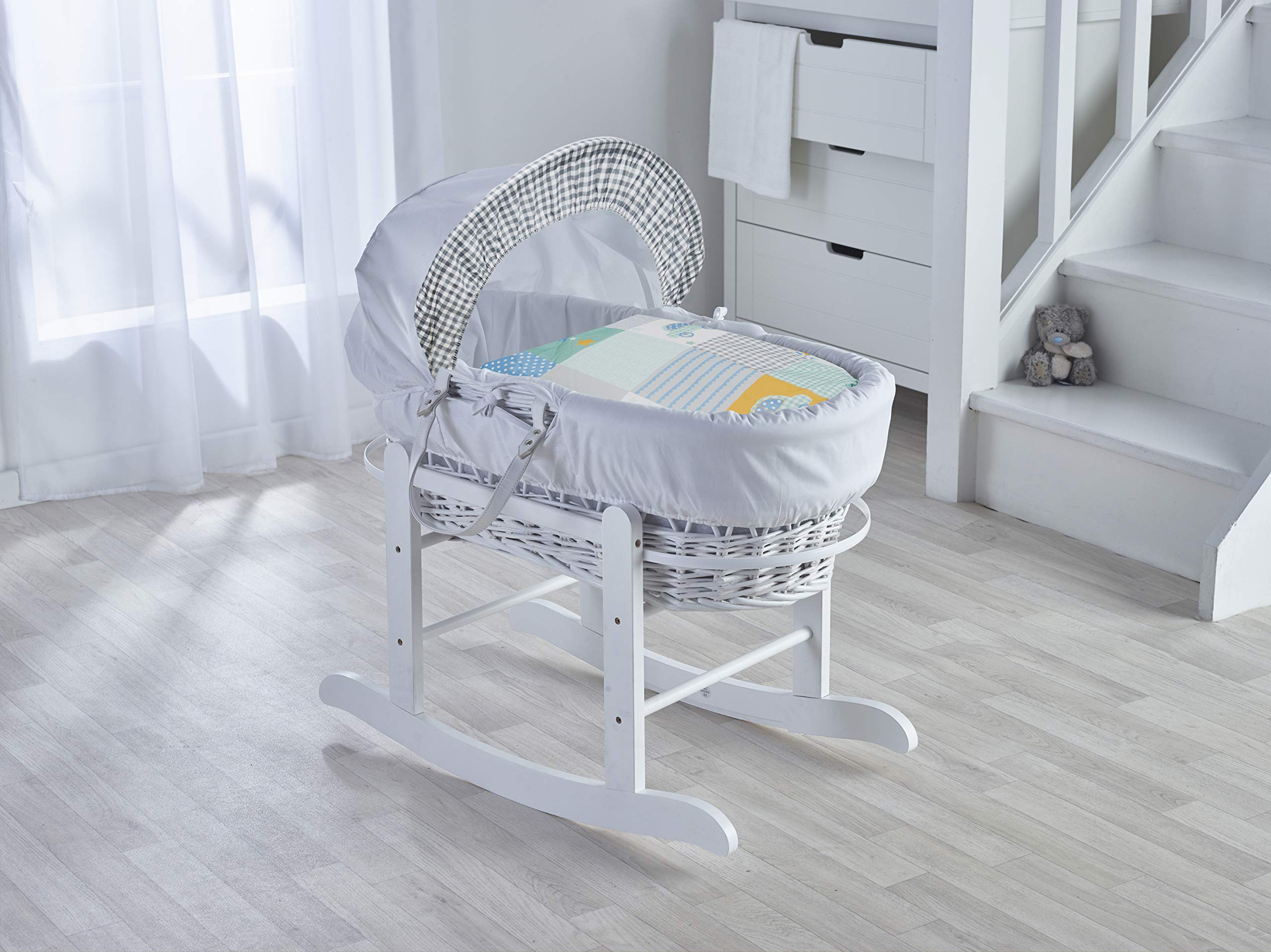 Vintage Cars White Wicker Moses Basket with Deluxe White Rocking Stand Elegant Baby Vintage style Elegant Baby Exclusive moses basket Opulent cotton blend fabric with a luxurious soft padded surround Unique adjustable deluxe rocking stand with soothing front to back motion 1