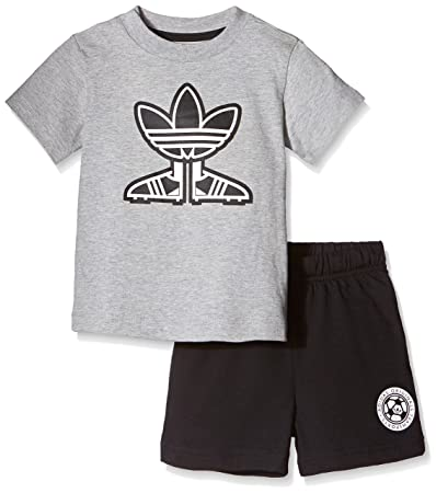 adidas pantaloncini e t-shirt
