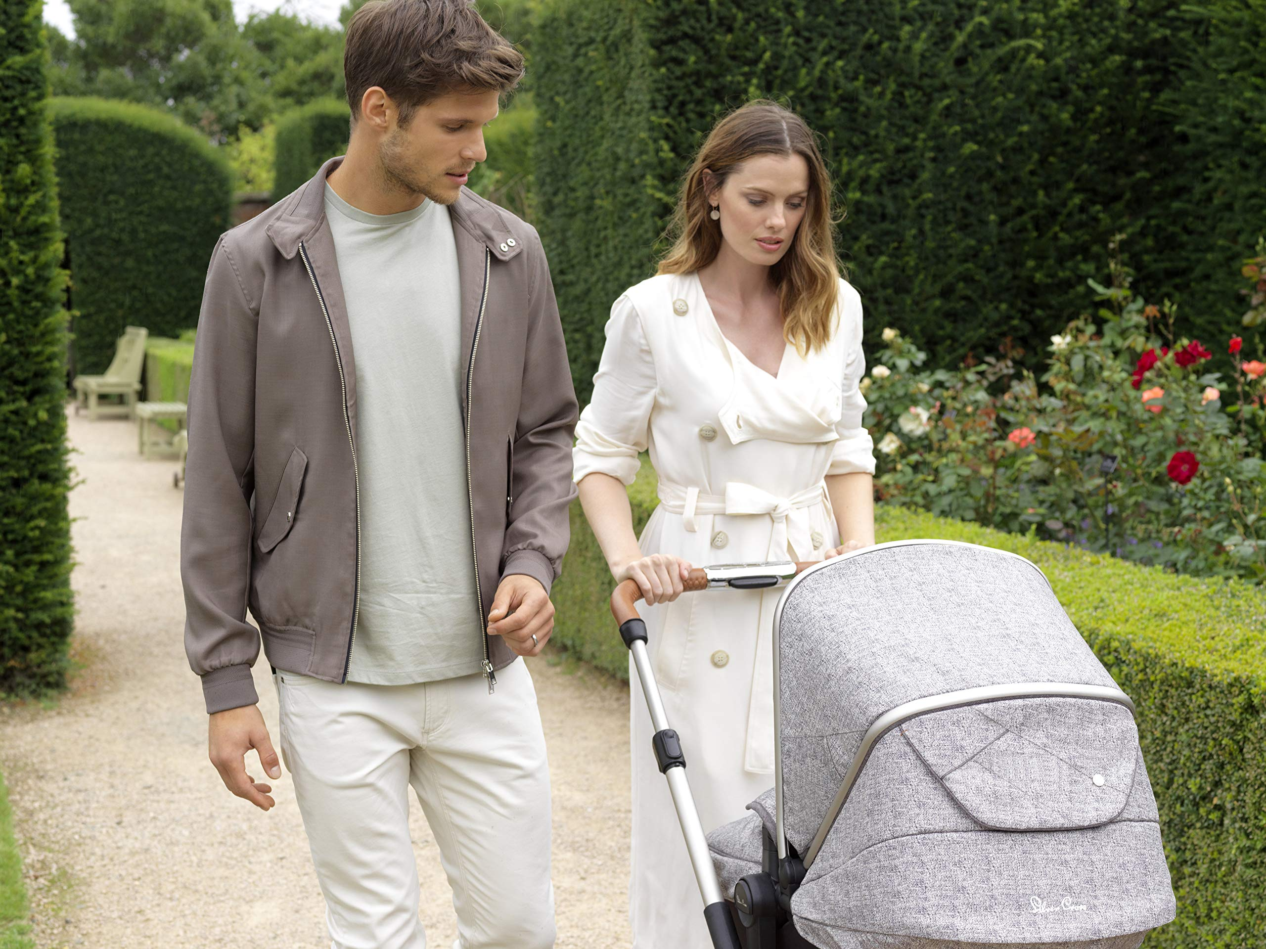Silver Cross Wayfarer Camden Silver Cross Complete pram system that includes everything you need from birth to toddler Includes a lie-flat carrycot for your new born that is suitable for overnight sleeping Compact, lightweight and convenient, hardwearing and durable 9
