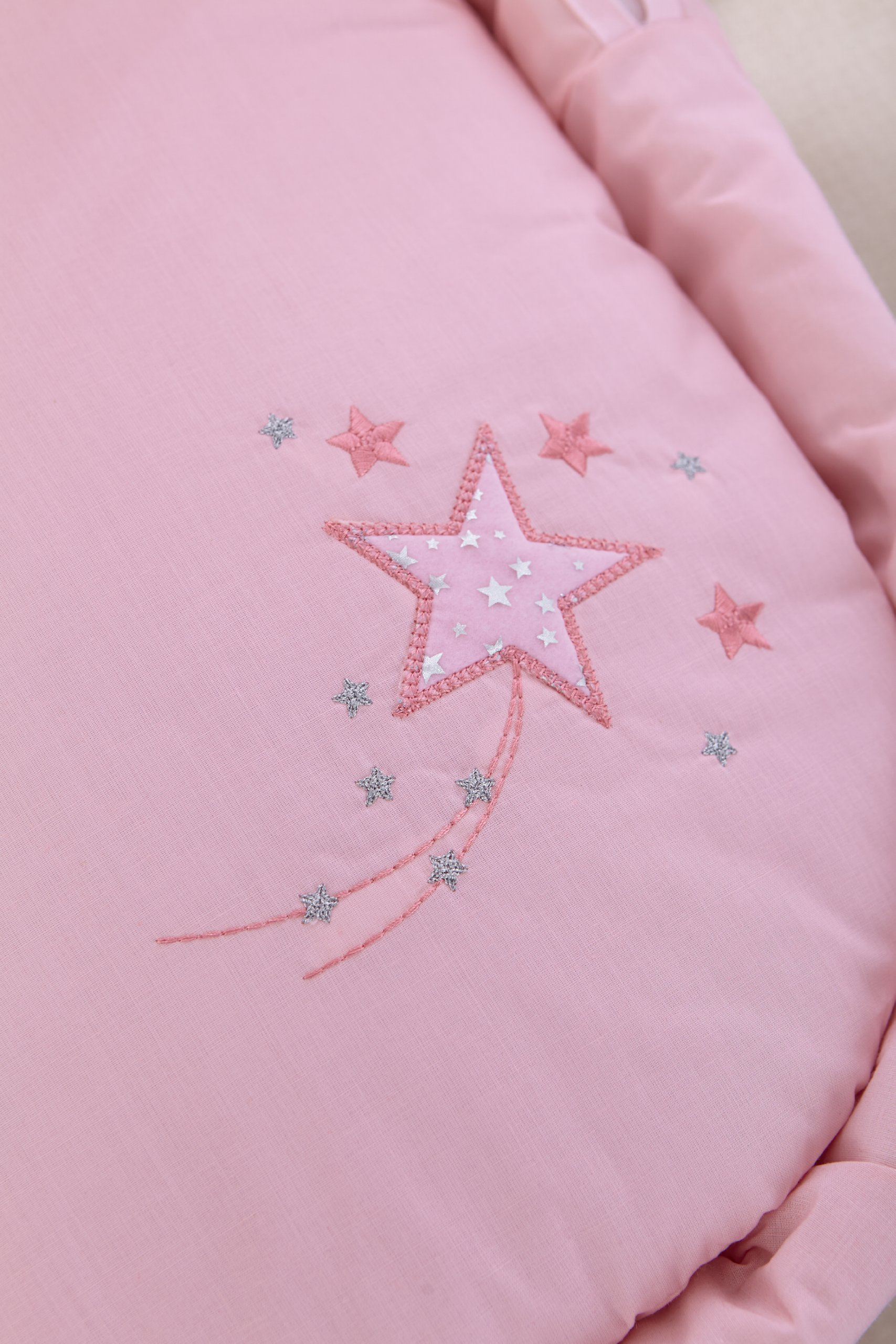 Clair de Lune Starburst Palm Moses Basket inc. Bedding, Mattress & Adjustable Hood (Pink) Clair de Lune Catch a beautiful falling star Includes basket, dressing and mattress Available in 4 colours 2