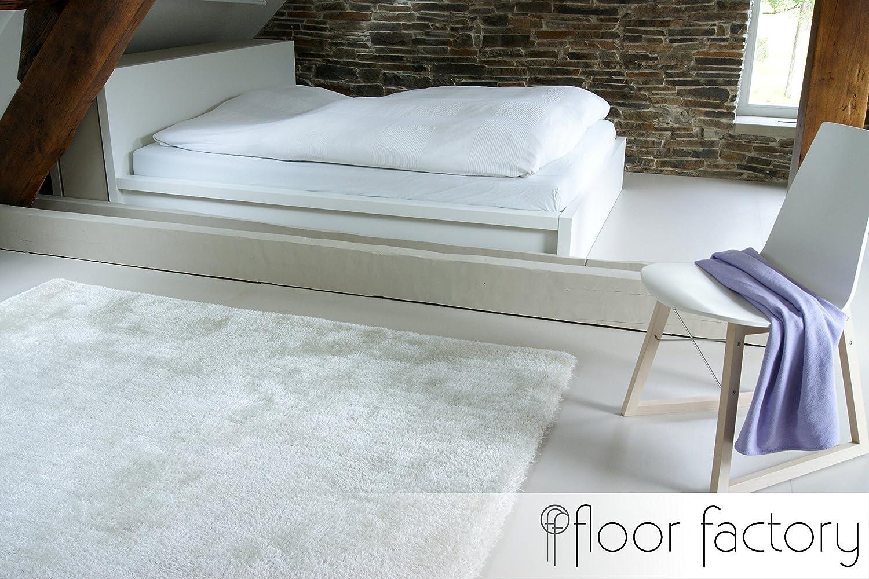 Tappeti grandi per soggiorno: tappeto soggiorno argento detail ...