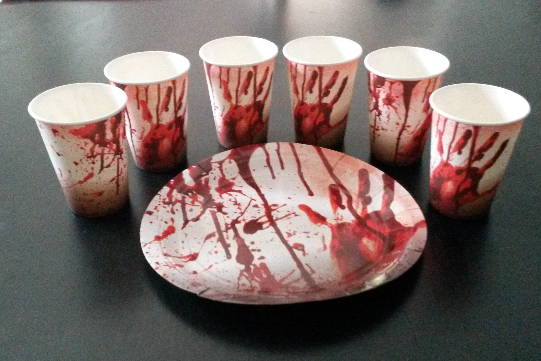 Sachsen Versand 8 Papp-Becher-Teller Halloween Tisch -Deko-Dekoration schmücken Ø 23cm Geschirr Gruseln Scream Blut…