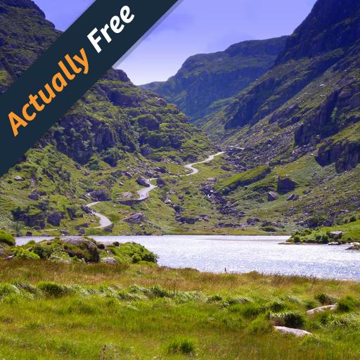 Guidare attraverso il Gap of Dunloe nel sud-ovest dell'Irlanda