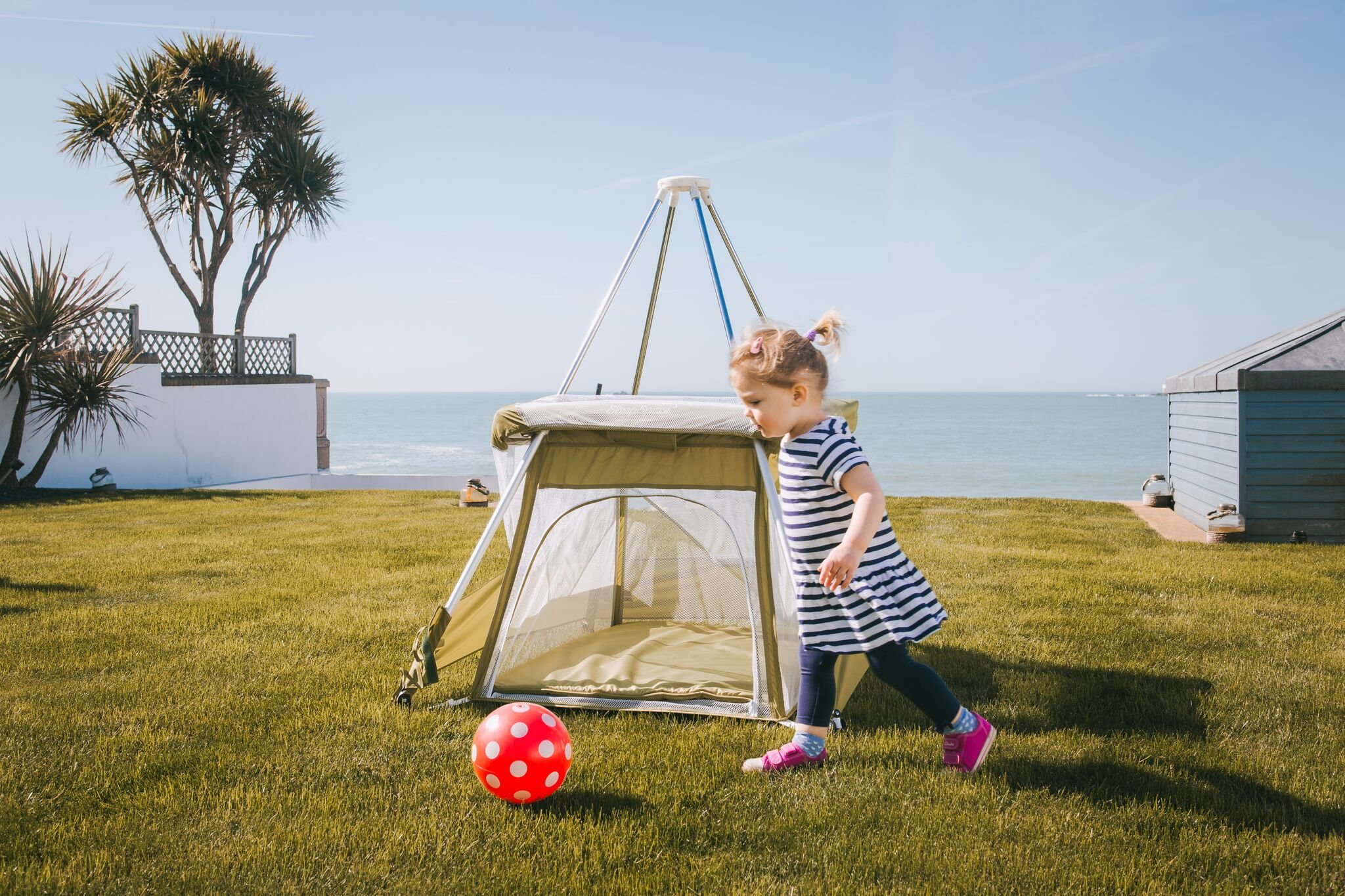 BabyHub SleepSpace Travel Cot with Mosquito Net, Green BabyHub Three cots in one; use as a travel cot, mosquito proof space and reuse as a play tepee Includes cotton canvas tepee cover Can be set up and moved even while holding a baby. Dimensions Open - L 116cm x W 960cm x H 122cm (when opened). Dimensions Closed - 83cm H x 22cm x 42cm (in bag) 6