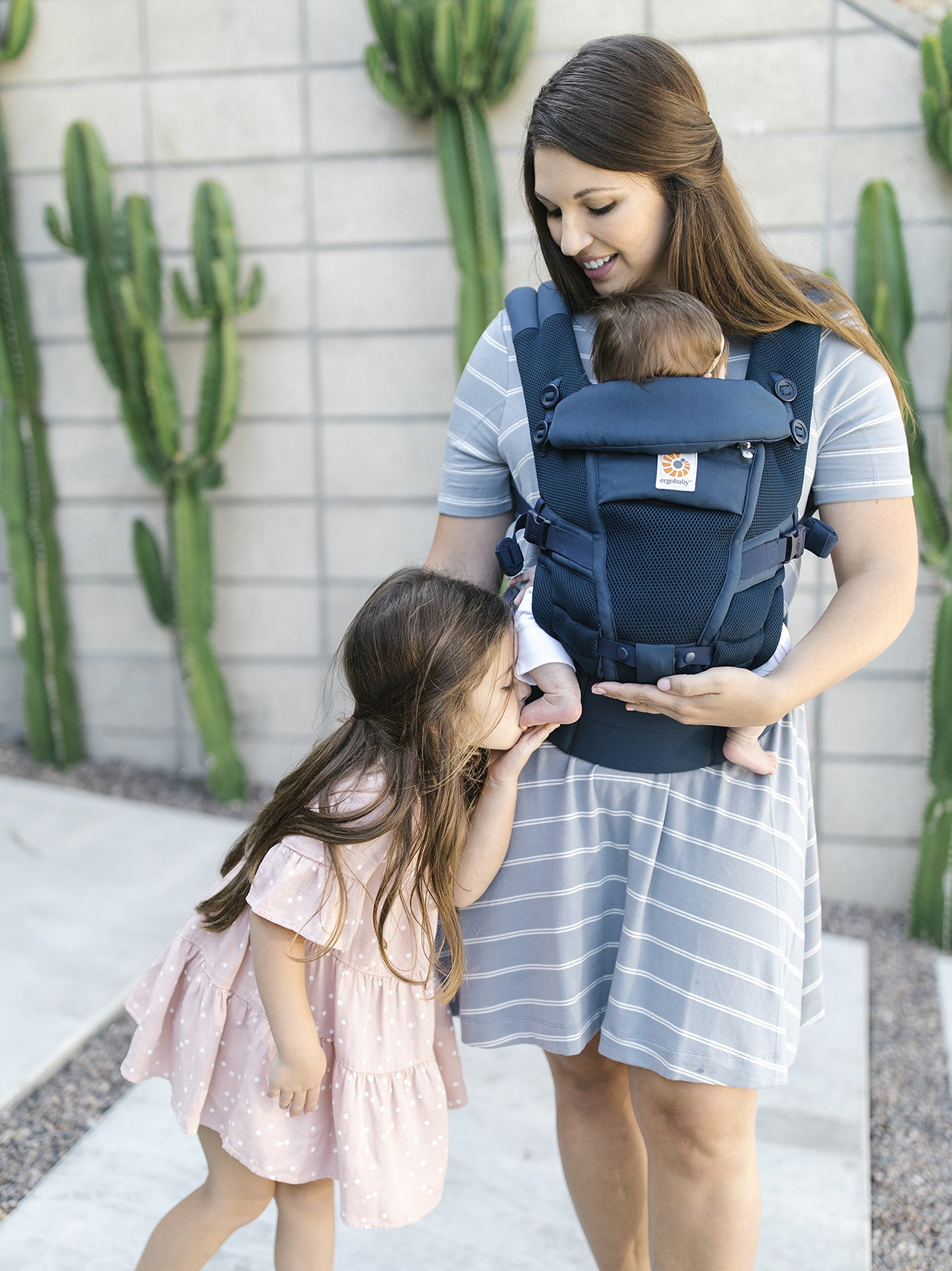 Ergobaby Baby Carrier for Newborn to Toddler up to 20kg, Adapt 3-Position Cool Air Mesh, Deep Blue Ergobaby Ergonomic bucket seat gradually adjusts to a growing baby from newborn to toddler (3.2 -20kg) No infant insert required 3 ergonomic carry positions: front-inward, hip and back 2