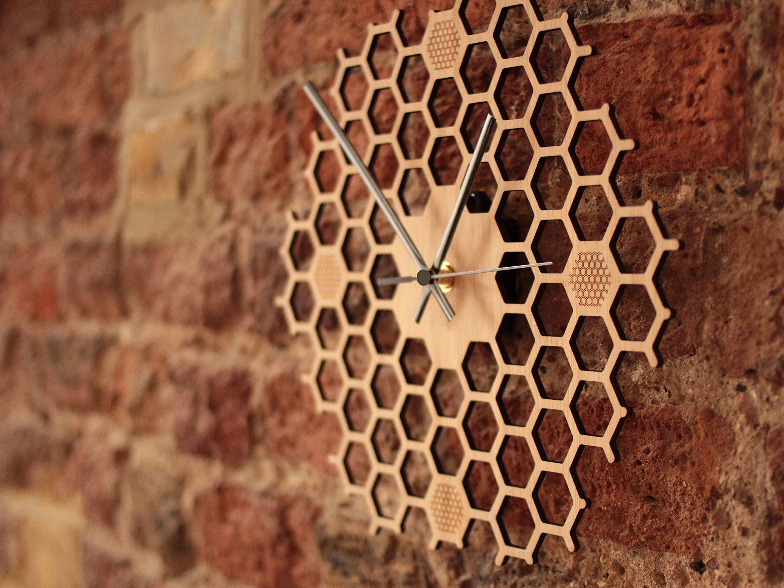 Wanduhr In Offener Bienenwaben Form Kreatives Und Modernes Design