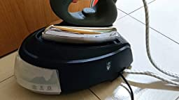 2150 W PAEU0200 Plantilla Teflon anti brillos Vaporella para planchas profesionales Centro de planchado a vapor con caldera dep/ósito de 0,7 L Acero Color blanco Polti Vaporella Forever 615/_Pro