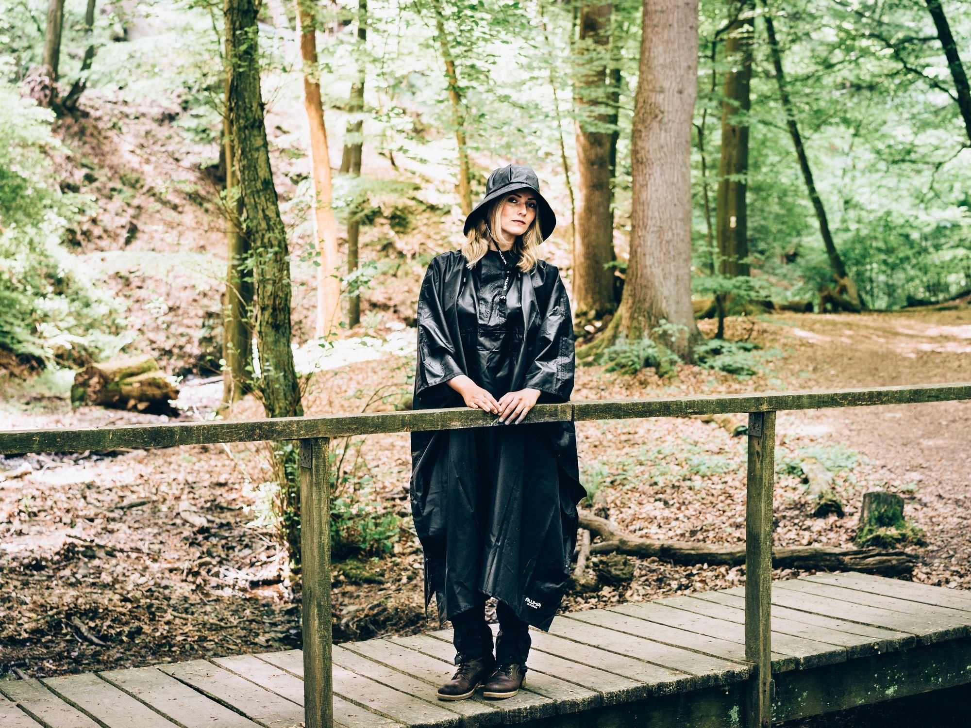 91EnoTtn6WL - AWHA rain poncho black, unisex - the extra long rain cover with a zipper and chest pocket