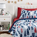 AmazonBasics Easy-Wash Microfiber Kid's Bed-in-a-Bag Bedding Set - Twin, Red and Blue Feathers