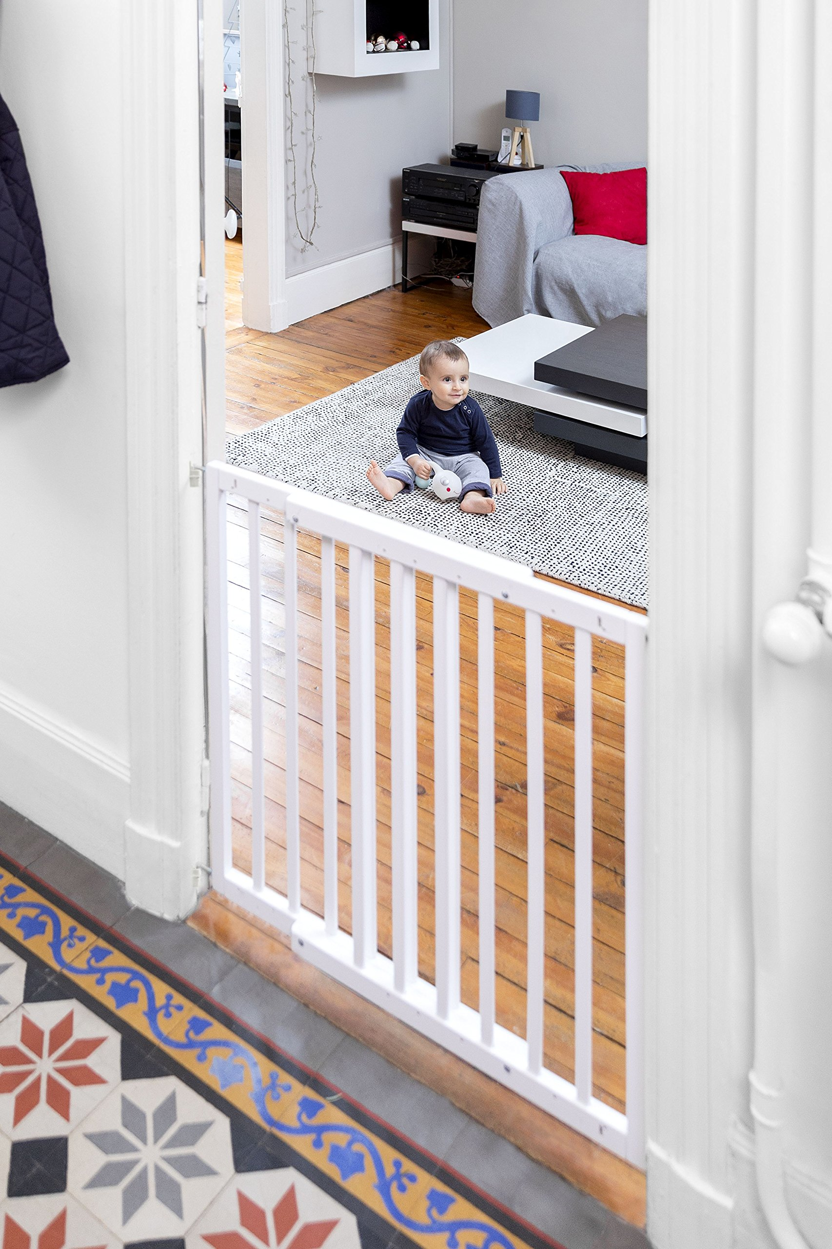 Badabulle Color Pop Safety Gate, White Badabulle Wooden safety gate for self-assembly Easy to open Swinging door 11