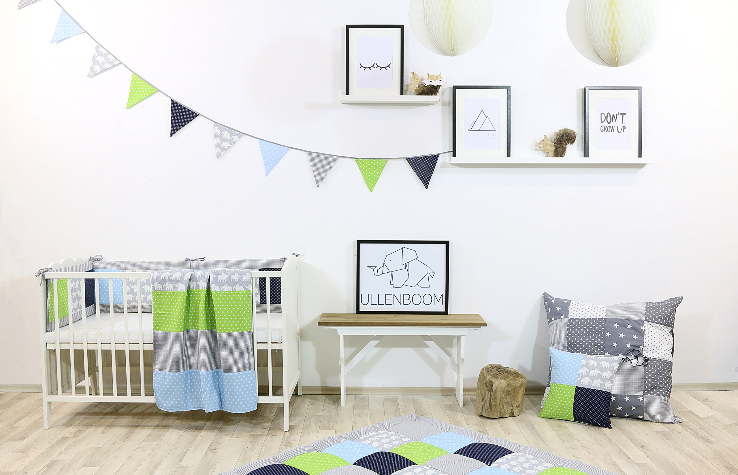 ULLENBOOM® Bumper- Blue Green Elephants (200x 30cm Baby playpen Bumper, 100x 100cm playpen Bumper Pads for The Head Area) ULLENBOOM This 200x 30cm patchwork bumper serves as a protective insert and surround for 100x 100cm playpens, to provide babies with protection- especially head protection- from playpen bars The sizes 200x 30cm and 400x 30cm (full surround) are for playpens- the 'full surround' bumper comes in two sections. ULLENBOOM also offers additional sizes for 140x 70cm and 120x 60cm cots These bumpers can be washed at 30 °C and the materials used are certified according to the Oeko-Tex standard (tested for harmful substances, hypoallergenic); smooth outer fabric: 100% cotton (Oeko-Tex); soft, thick wadding: 100% polyester (Oeko-Tex) 2