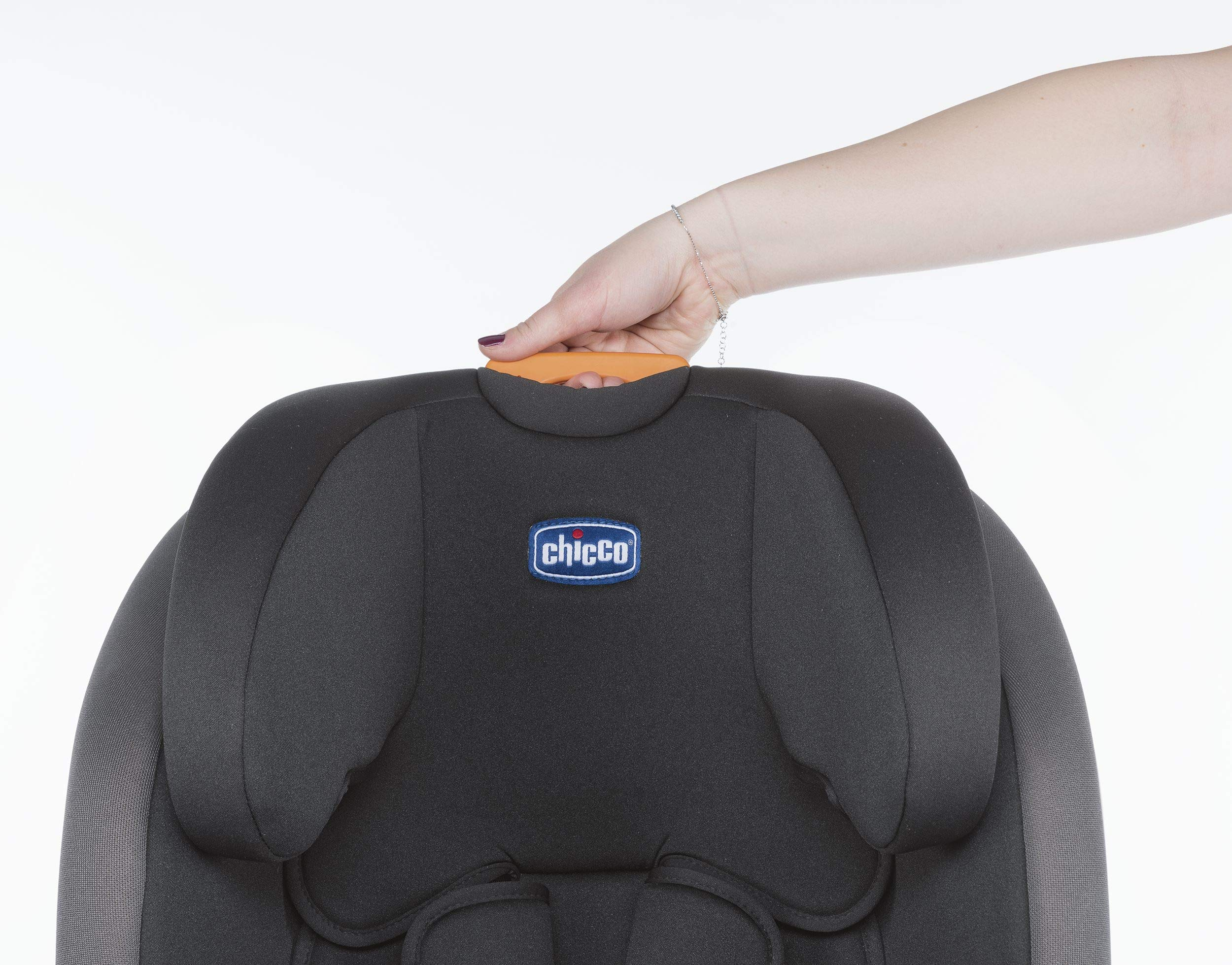 Chicco Youniverse Isofix Car Seat, Group 1/2/3 Chicco The isofix system with top tether enables an easy and quicker installation Compatible with all cars Special side safety system 3