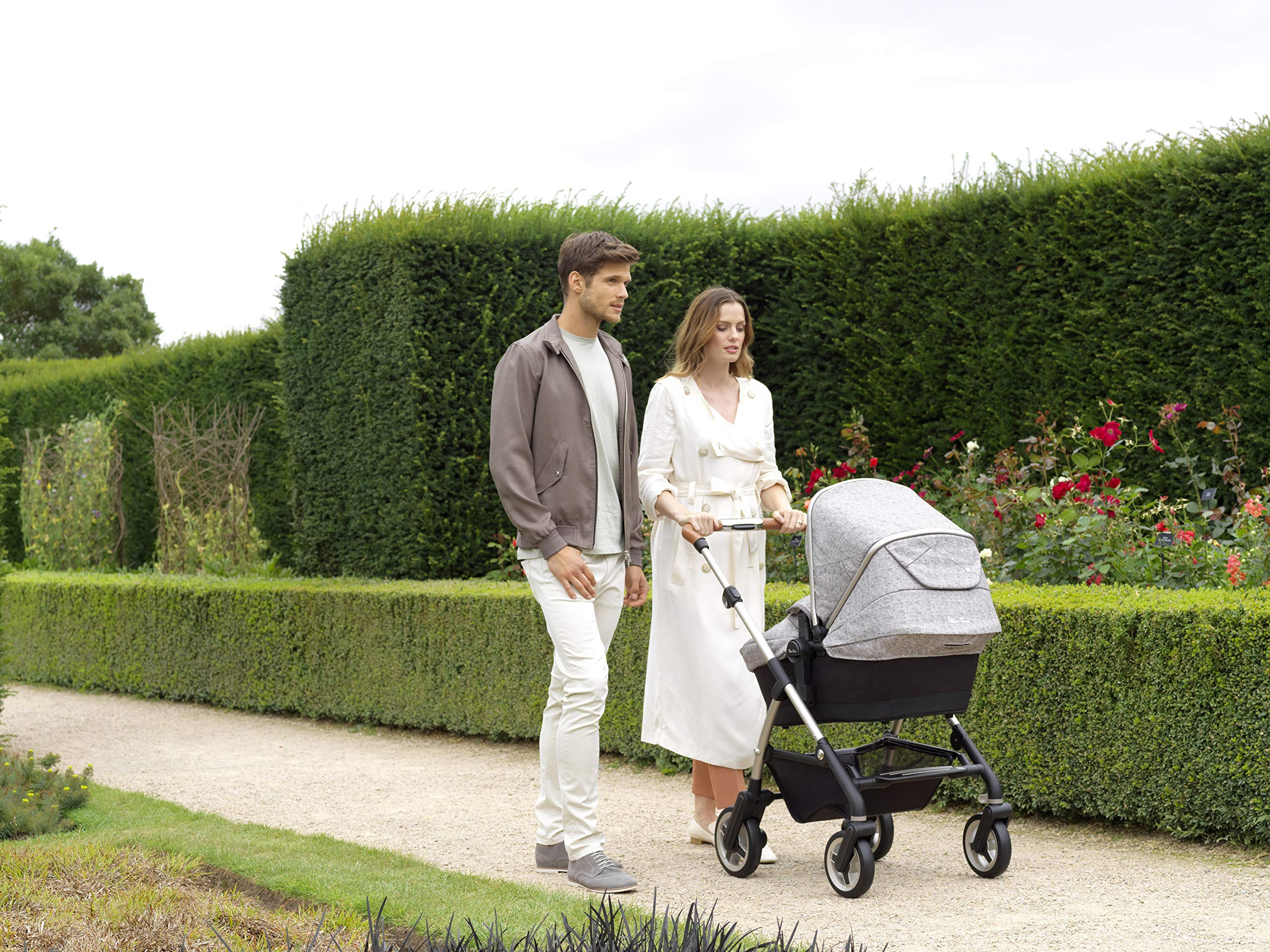 Silver Cross Wayfarer Camden Silver Cross Complete pram system that includes everything you need from birth to toddler Includes a lie-flat carrycot for your new born that is suitable for overnight sleeping Compact, lightweight and convenient, hardwearing and durable 8