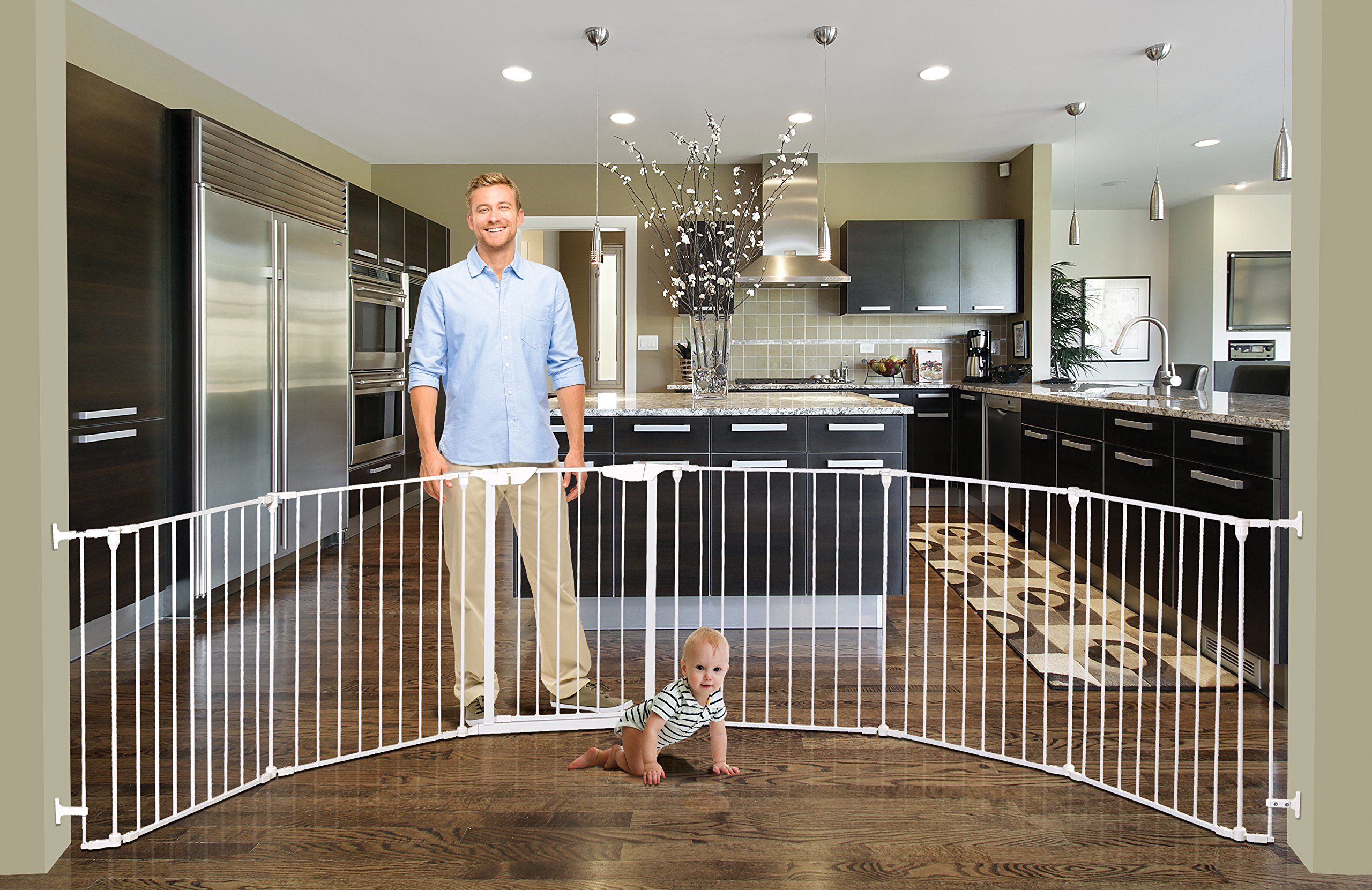 Dreambaby Mayfair Converta 3-in-1 Metal Play-Pen (85.5 - 375 cm) Dreambaby 6 modular panels including convient walk-through Gate 3-in-1 (play-pen, fireplace barrier, wide barrier Gate) Smart stey-open feature and optional one way stopper 4