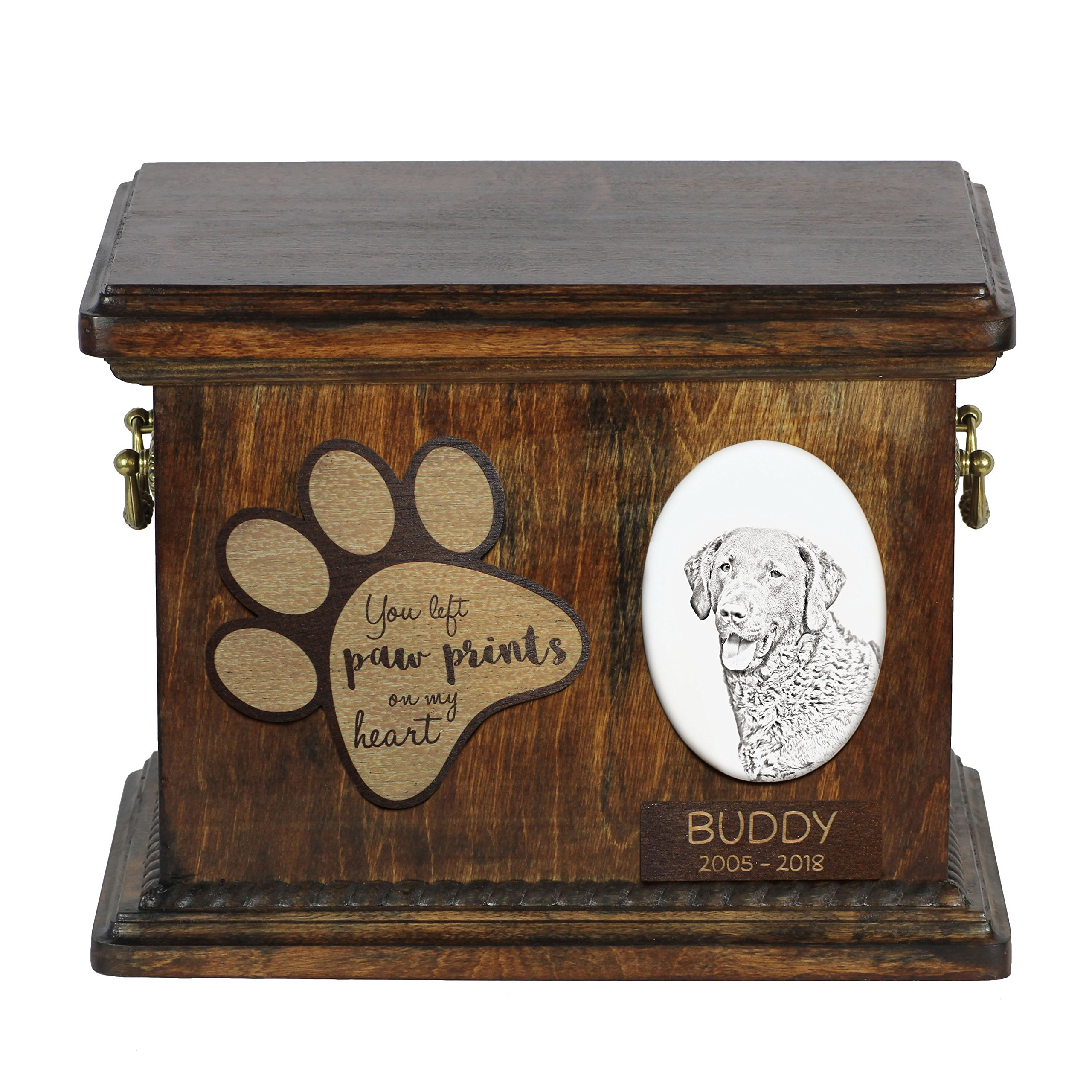 ArtDog Ltd. Chesapeake Bay Retriever, urn for dog's ashes with ceramic plate and description