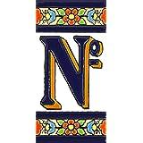 Handgeschilderde polychrome keramische tegels, letters en cijfers handgeschilderd met behulp van drogetouwtechniek, perfect o