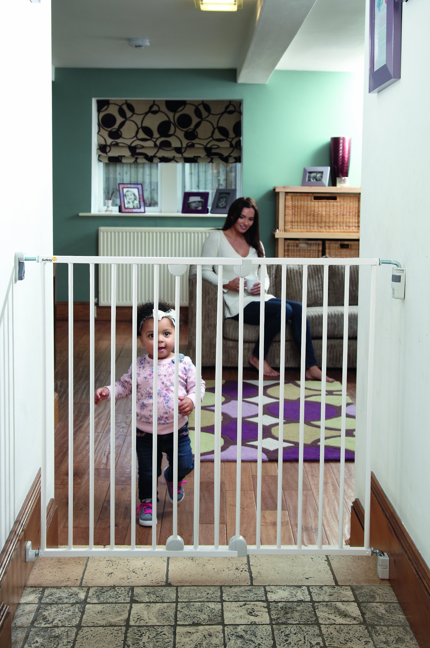 Safety 1st Wall Fix Extending Wide Safety Metal Gate, Ideal for Kids and Pets, 62 to 102 cm, White
