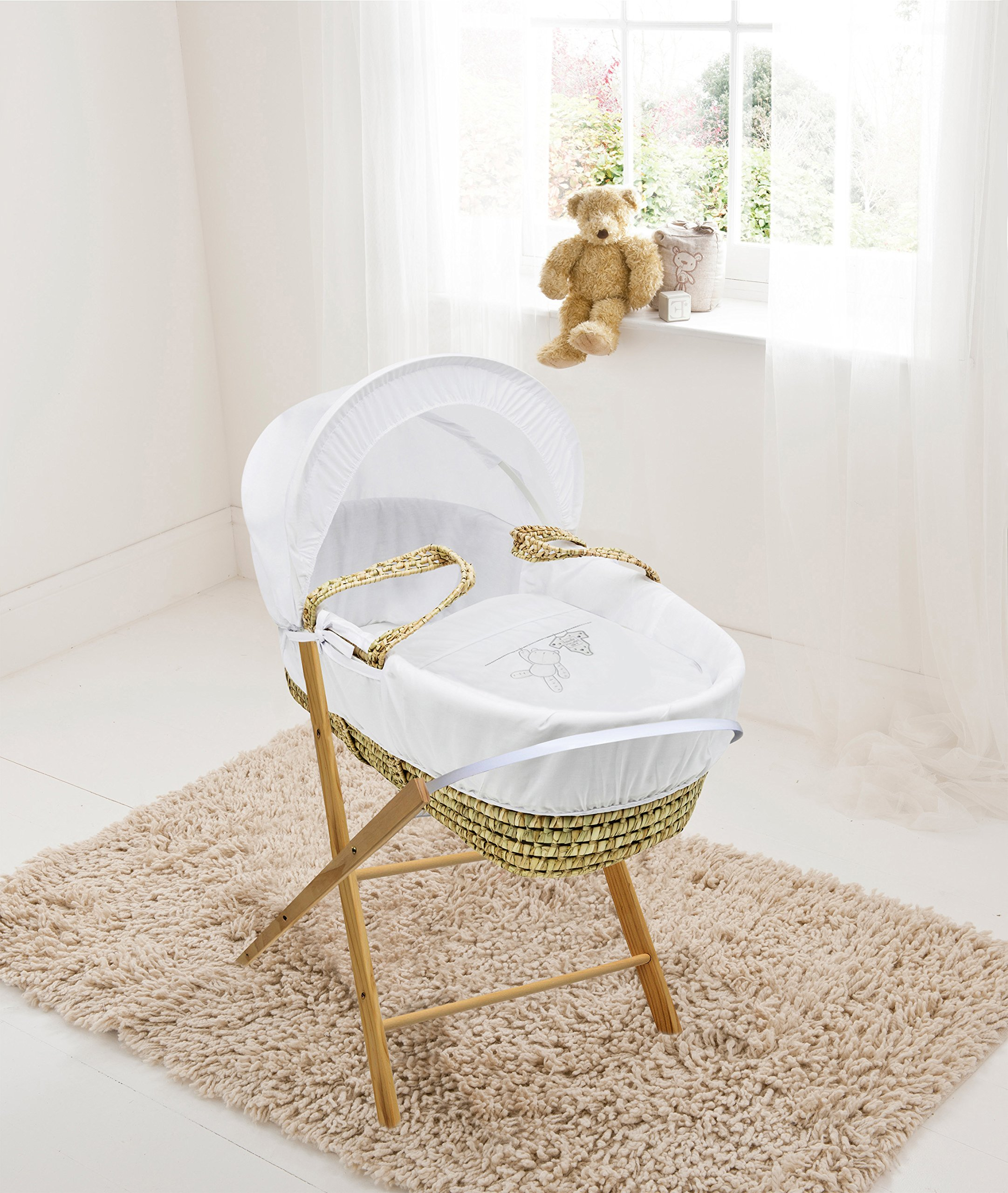 White Teddy Wash Day Palm Moses Basket & Folding Stand Elegant Baby Suitable from newborn for up to 9kg, this Moses Basket uses Easy-care Poly Cotton with a soft padding surround Suitable from newborn to 9 months It also includes a comfortable mattress and an adjustable hood perfect to create a cosy sleeping space for your precious little one 1