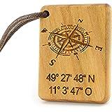 MenQ KOMPASS Schlüsselanhänger personalisiert Holz mit Gravur KOORDINATEN Name Kirschholz Anhänger