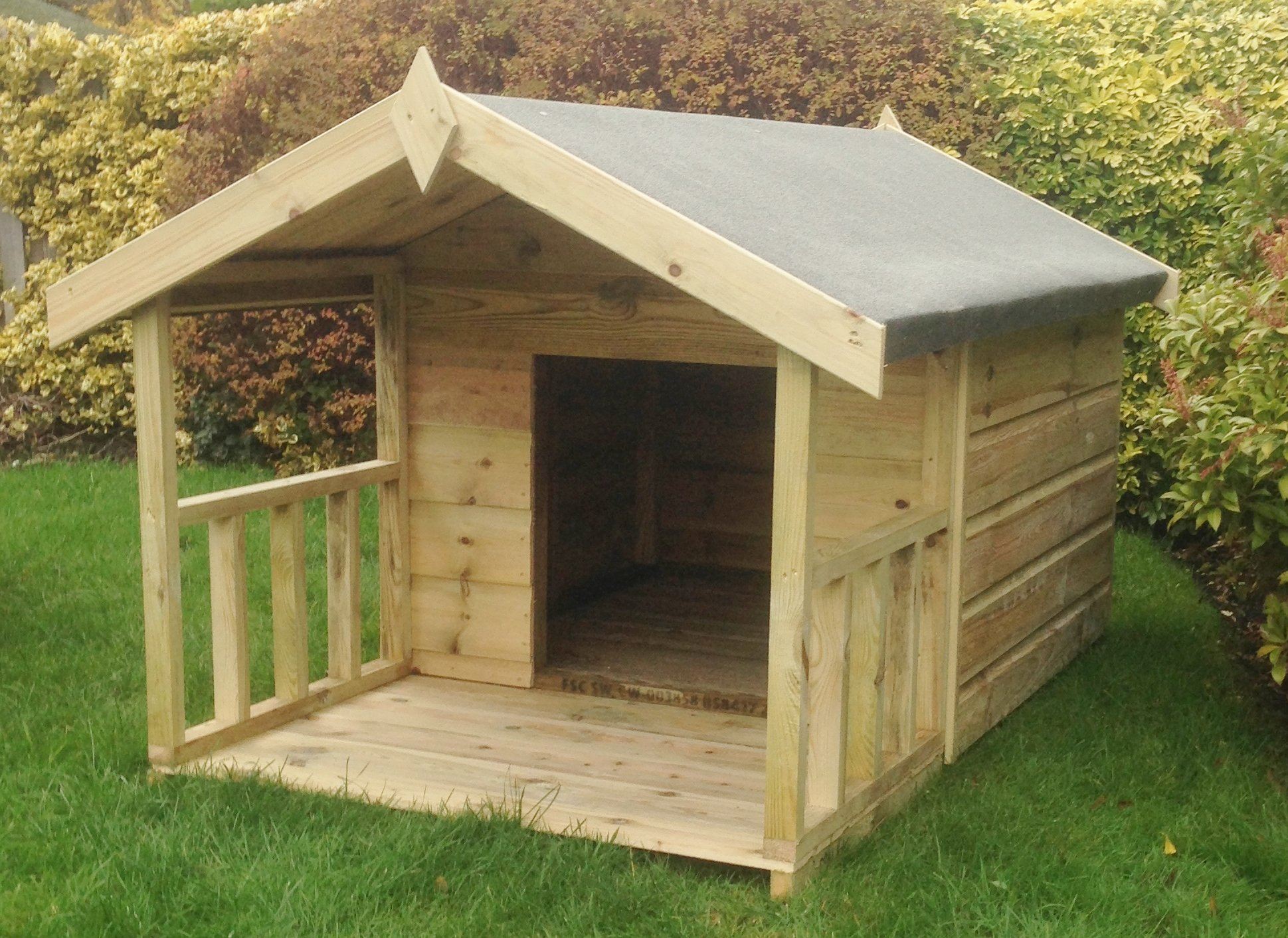 Pinelap 4×3 Quality Wooden Apex Dog Kennel + 2ft front veranda (6×3) – Pressure Treated T&G