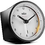 Braun klassisk radiostyrd analog klocka för Centraleuropeisk tidszon (DCF/GMT+1) med snooze och ljus, tyst rörelse, Crescendo