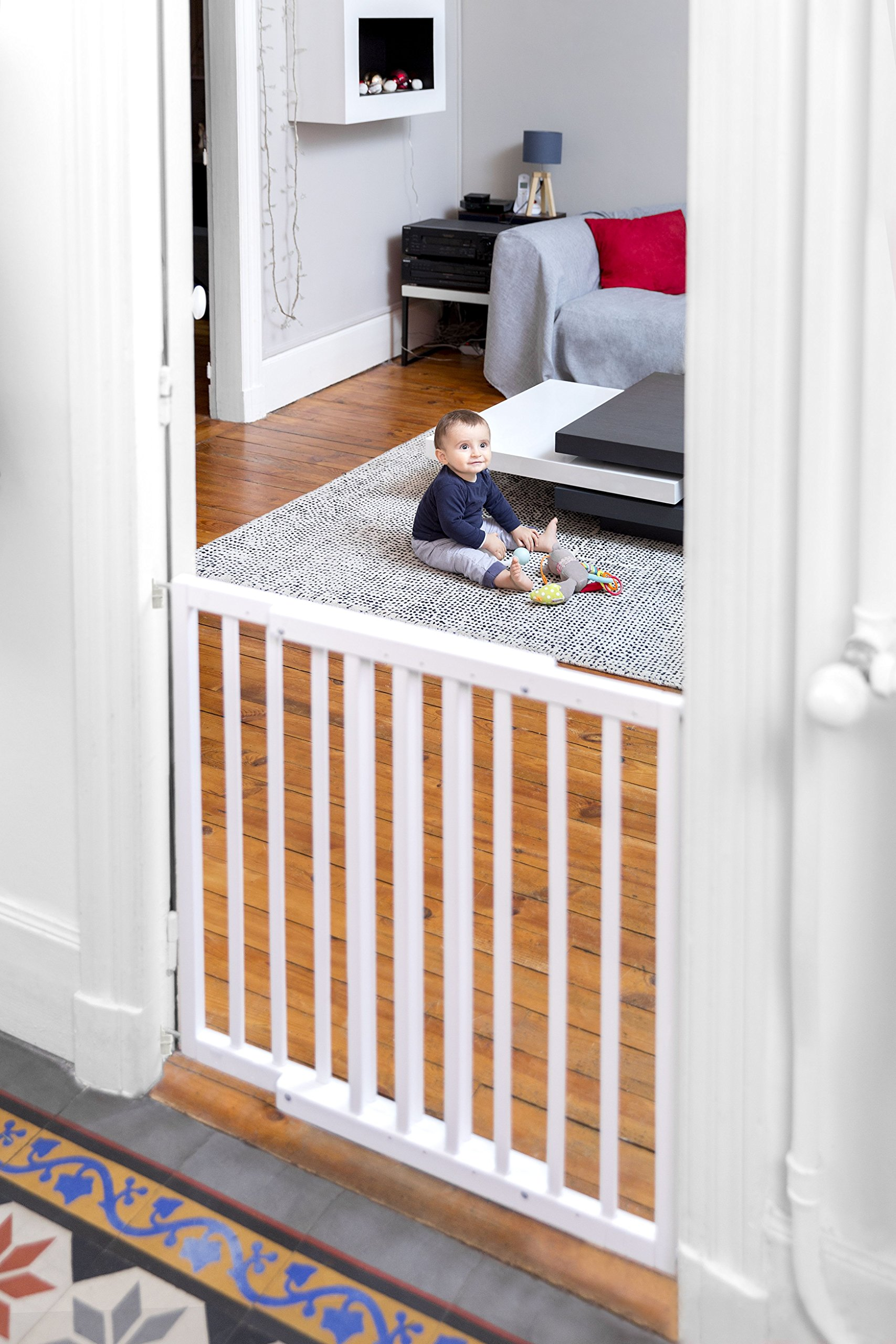 Badabulle Color Pop Safety Gate, White Badabulle Wooden safety gate for self-assembly Easy to open Swinging door 9