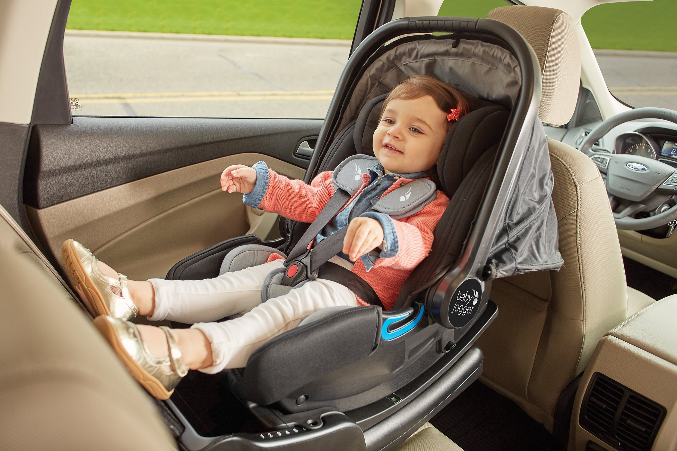 Baby Jogger City Go i-Size Iso-fix Car Seat Base,  Black Baby Jogger Compatible with baby jogger city go i-size infant car seat. Secure isofix connectors plus colour-coded red/green indicators ensure both the base and seat are properly installed, minimising the risk of incorrect installation. Load leg prevents the seat from shifting when rear facing. 11
