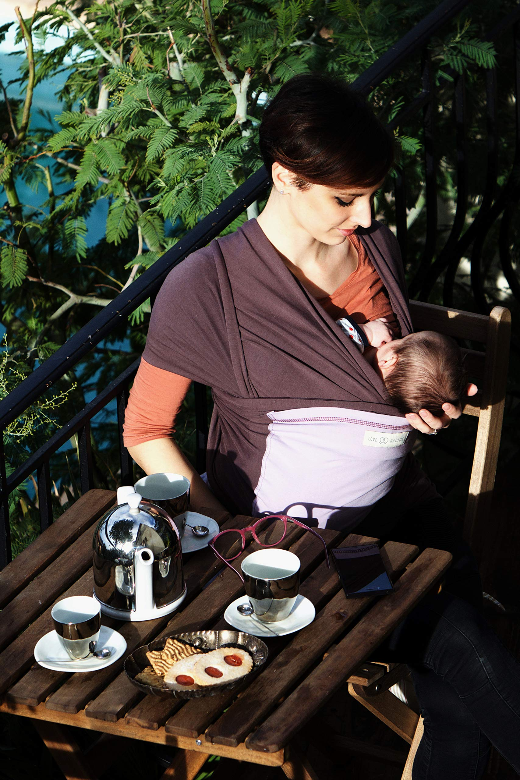 Je Porte Mon Bébé L'Originale Baby Sling Je Porte Mon Bébé High Quality Elastic Baby Carrier Dense, elastic and breathable material Great support, fits your baby's body like a second skin. 9