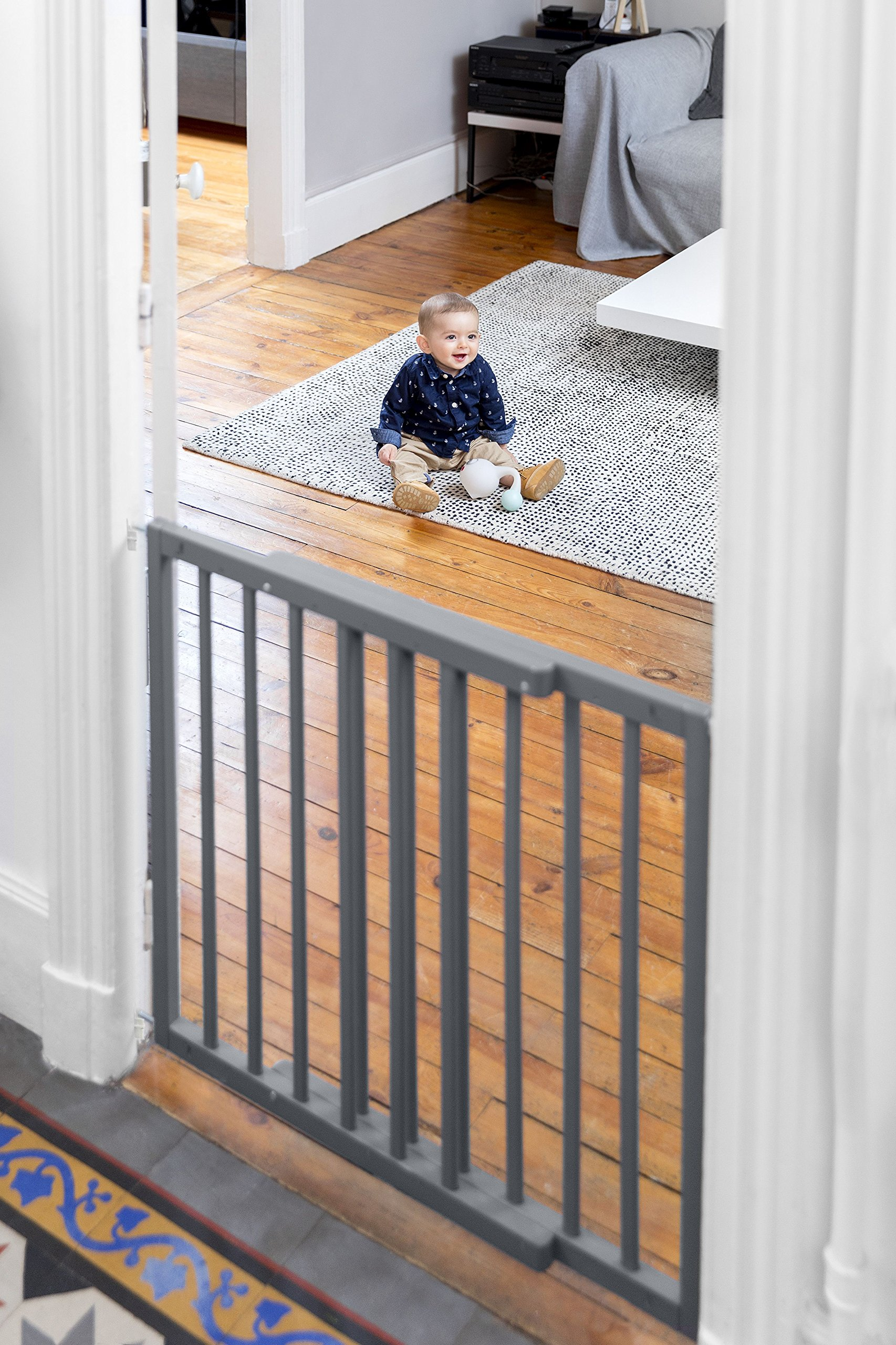 Badabulle Color Pop Safety Gate Grey Badabulle Fits openings between 63.5 cm and 103.5 cm Gate type opening Assembled in 7 minutes 10