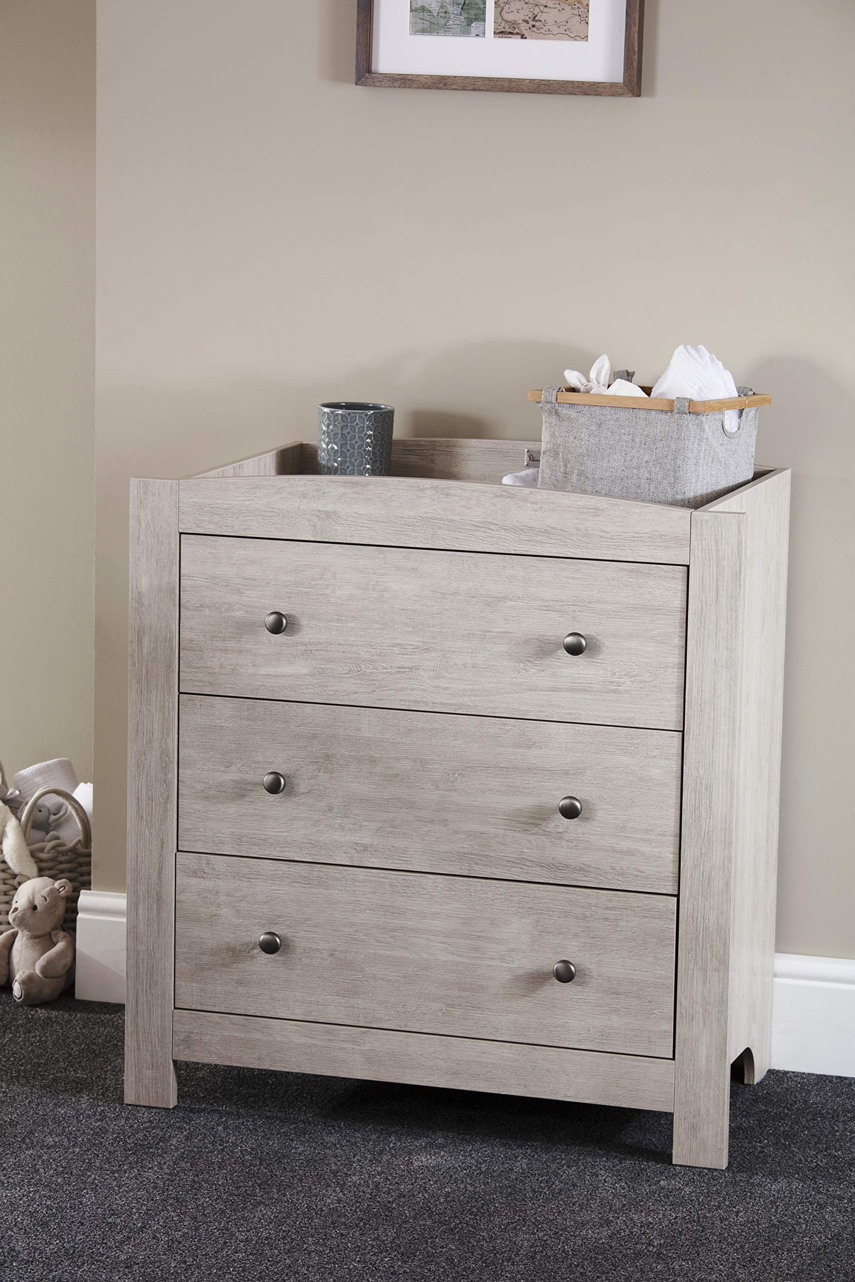 Silver Cross New England Cot Bed and Dresser Silver Cross 3 base height positions Suitable from birth to 4 years Converts into toddler bed 9
