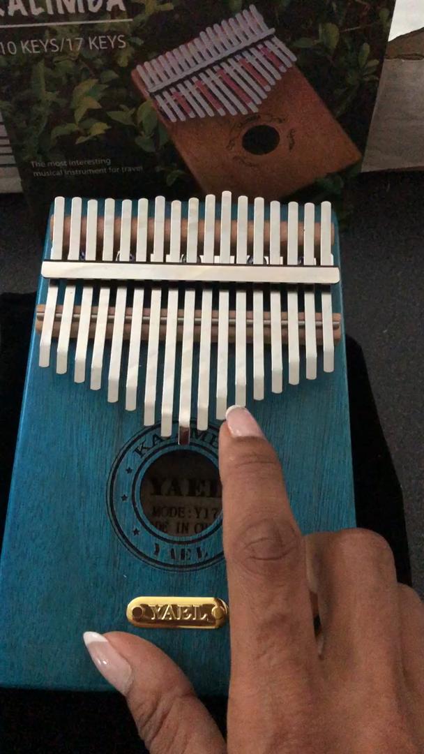 regalo perfecto de Navidad Kalimba 17 Key Thumb Piano Incluye kit de afinaci/ón Martillo e instrucci/ón de estudio y partituras sencillas Adecuado para ni/ños Adultos principiantes profesionales
