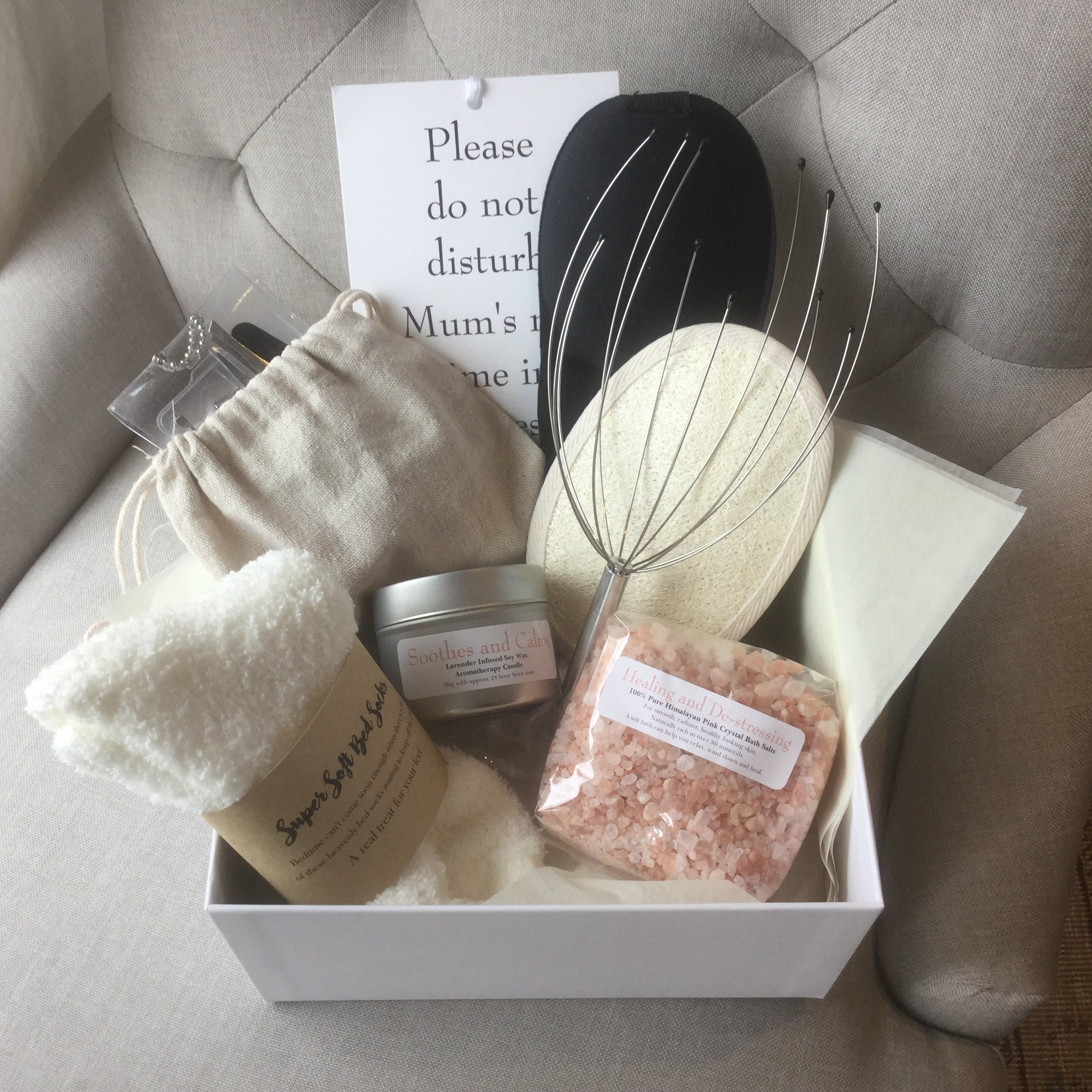 Mum's 'ME TIME' Pamper Box, A Beautiful Silver Embossed Box containing a 9 Piece Luxury Pampering Set- a Wonderfully Thoughtful Gift for Mum or Mum-to-be.