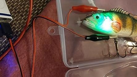 BSTEle Elektrischer Fischk/öder Wobbler Kunstk/öder USB Aufladen 3D Bionischer K/öder f/ür die meisten Fischarten Elektrischer Angelk/öder